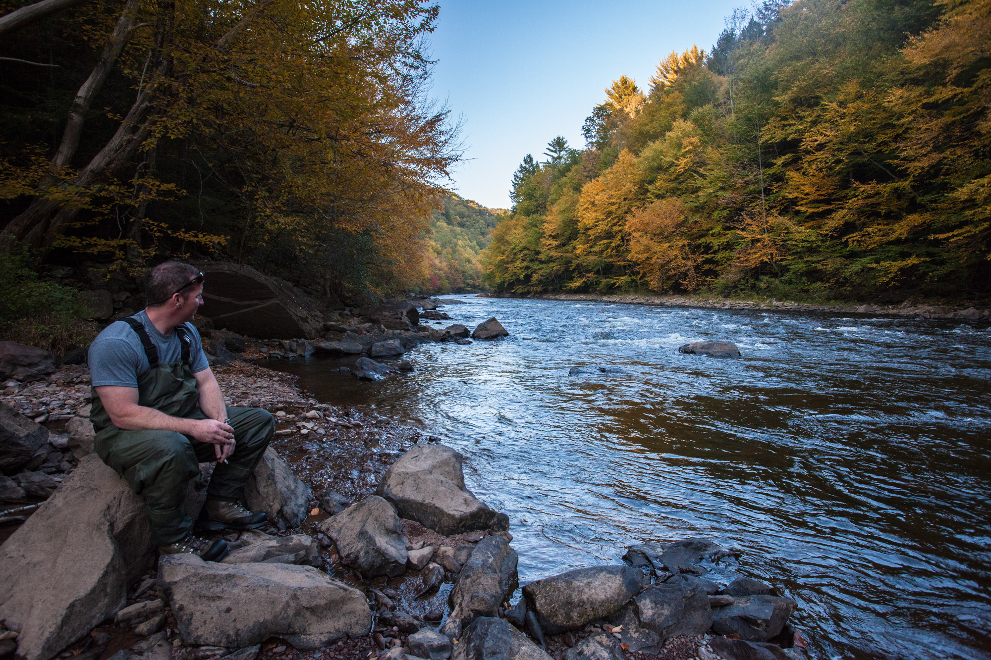 fishing in the autumn Fishing in fall may be more difficult as the bug hatches dwindle down, but the fish are still in streams and the autumn months can land some monster fish.