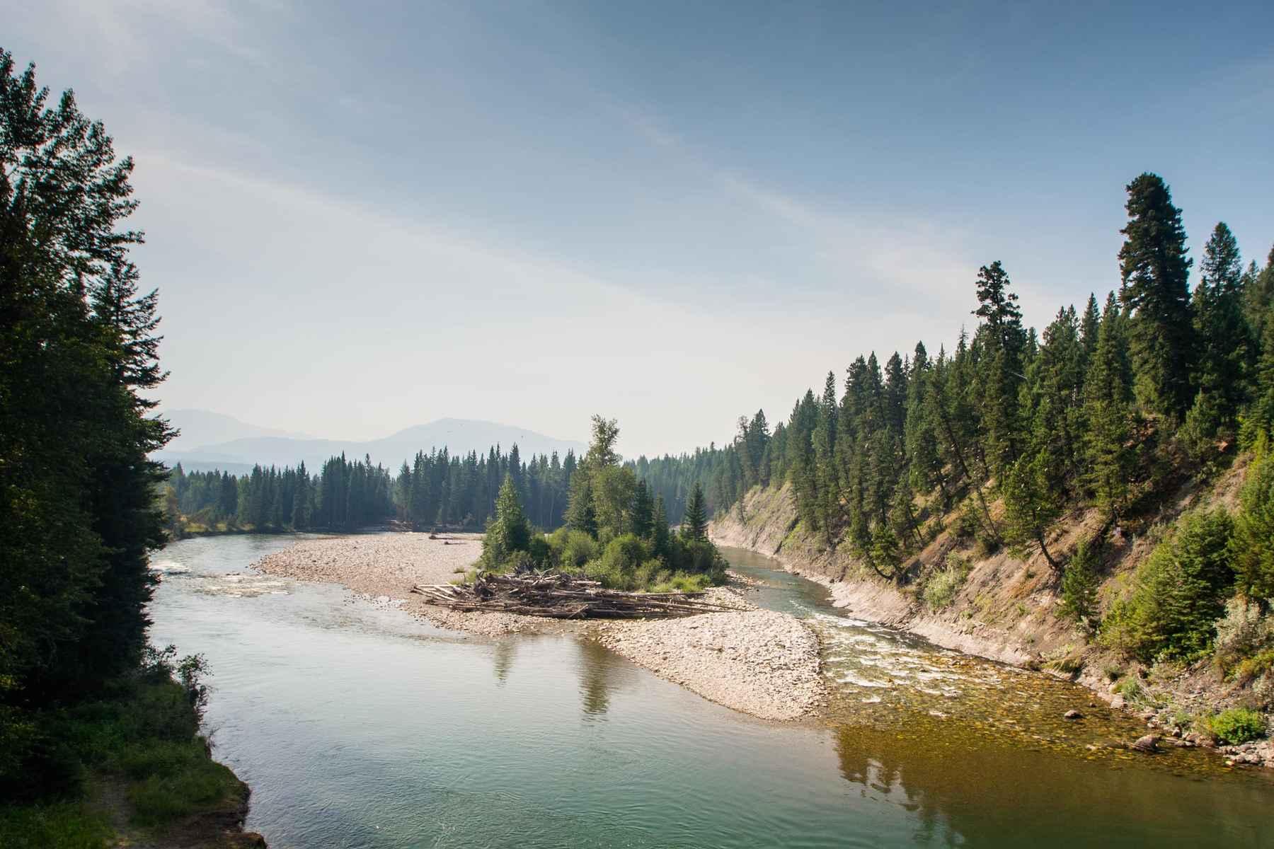 Adrift On The Elk Floating British Columbia S Elk River