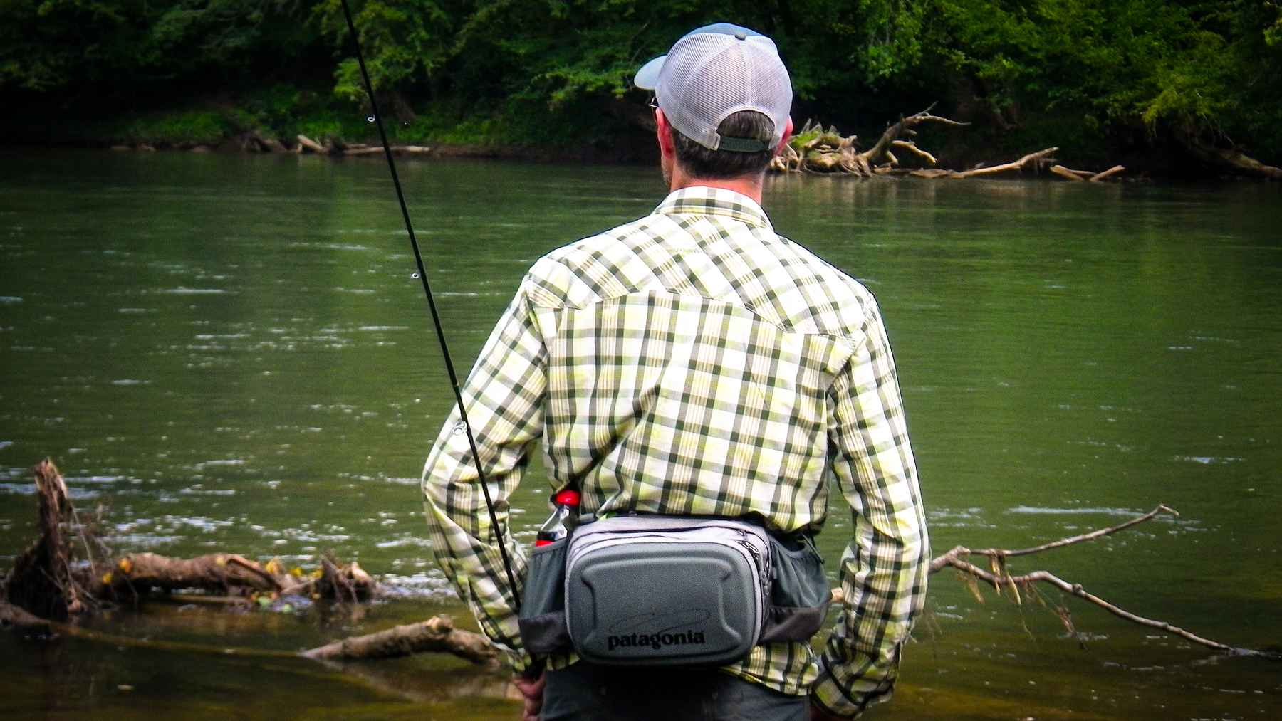 Review patagonia stealth hip pack hatch magazine fly for Simms fly fishing