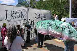 iron gate dam protest klamath river
