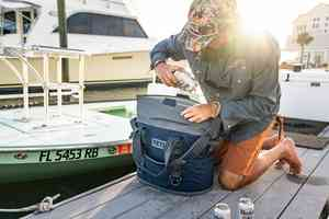 oliver white yeti m30 hopper soft cooler
