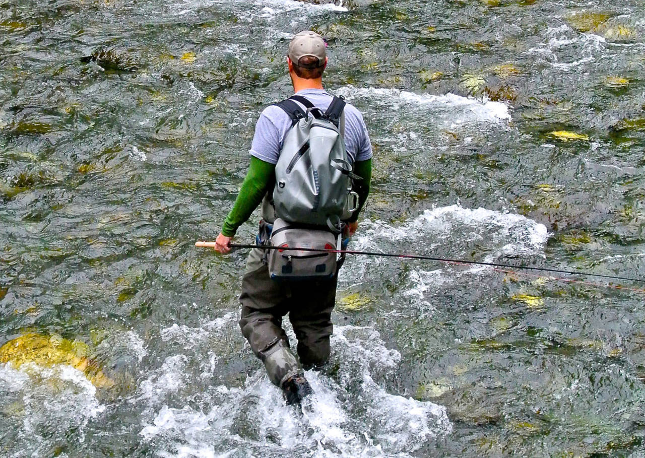 Review fishpond westwater guide lumbar pack hatch for Fishpond fly fishing