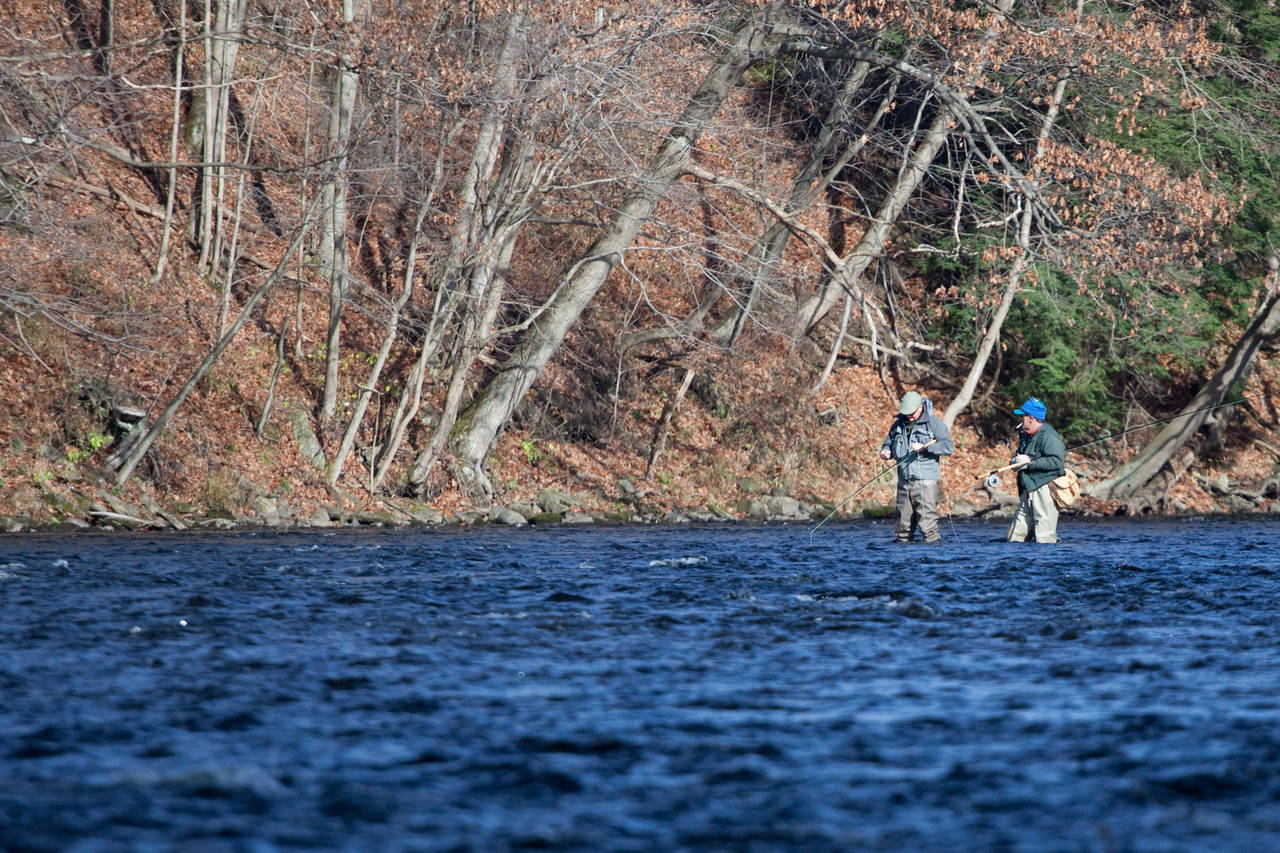 Digging out a new pattern on the Salmon River (photo: Chad Shmukler).